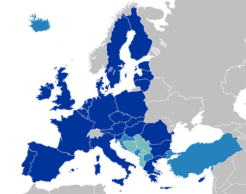 Karte Europas. Dunkelblau: Mitglieder der EU, Hellblau: Kandidaten für die Aufnahme, Kürkis: mögliche Kandidaten. Quelle: Kolja21