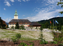 Schloss Elmau. Bild: Horemu. Wikimedia Commons. CC BY-SA 3.0.