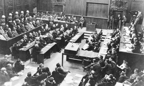 Nürnberger Prozess. Verhandlungssaal. 30. September 1946. Bundesarchiv, Bild 183-H27798. CC-BY-SA 3.0