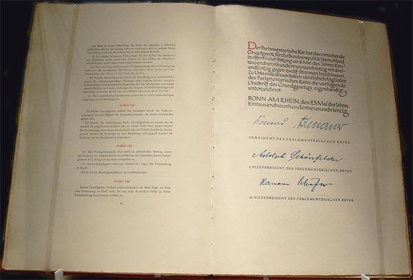 Faksimile des Grundgesetzes von 1949